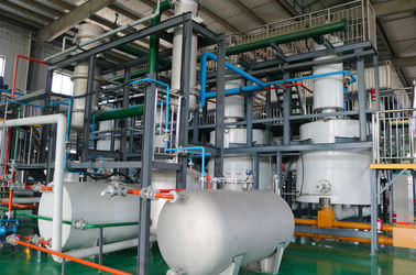 China Fully Continuous Plastic Into Fuel Machine / Small Pyrolysis Plant Simple Operation supplier