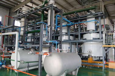 China Computer Controlled  Waste Plastic To Oil Machine 50% To 90% Oil Ratio factory